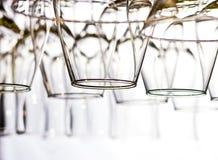 Vetri di vino allineati Fotografia Stock Libera da Diritti