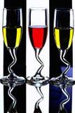 Vetri di vino con liquore variopinto Fotografie Stock Libere da Diritti