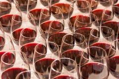 Vetri di vino riempiti Immagine Stock Libera da Diritti
