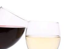 Vetri di vino rosso e bianco Immagine Stock Libera da Diritti