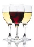 Vetri di vino rosso e bianco Immagine Stock