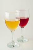 Vetri di vino rosso e bianco Fotografia Stock Libera da Diritti