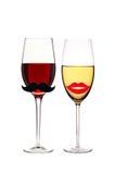 Vetri di vino rosso e bianco isolato su bianco Fotografie Stock Libere da Diritti