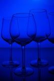Vetri di vino sul blu Immagine Stock Libera da Diritti