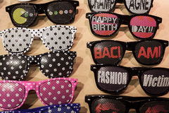 Vetri divertenti su esposizione alla fiera commerciale di Mipap a Milano, Italia Fotografie Stock