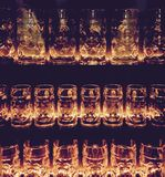 Vetri per birra in una fila Fotografie Stock Libere da Diritti