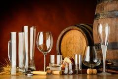 Vetri vuoti per le bevande alcoliche fotografia stock libera da diritti