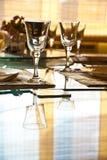 Vetri vuoti in ristorante Immagini Stock