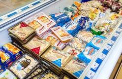 Vetrina con i prodotti congelati Fotografie Stock Libere da Diritti