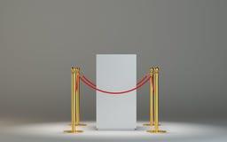 Vetrina di vetro per la mostra con il recinto e la corda Fotografie Stock