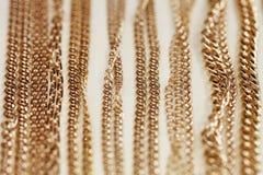 Vetrine, oro, catena, primo piano Fotografia Stock Libera da Diritti