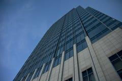 Vetro alto e costruzione concreta fotografie stock