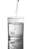 Vetro con acqua immagini stock libere da diritti