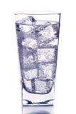 Vetro con acqua di ghiaccio immagini stock