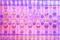 Vetro con la bella astrazione dei palloni multicolori immagine stock libera da diritti
