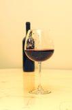 Vetro con vino Immagine Stock