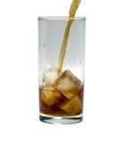 Vetro del cocktail o del tè con ghiaccio oggetto, bevanda Immagine Stock