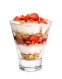 Vetro del parfait del yogurt e della frutta immagini stock
