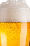Vetro del primo piano della birra immagine stock libera da diritti