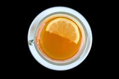 Vetro del tè con la fetta del limone. Vista superiore. Fotografie Stock Libere da Diritti