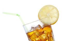 Vetro del tè di ghiaccio con il limone fotografia stock libera da diritti