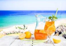 Vetro del tè di ghiaccio di estate Immagine Stock Libera da Diritti
