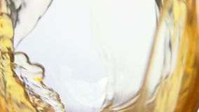 Vetro del vino dell'uva bianca archivi video