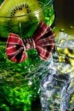 Vetro del whisky con il legame di arco Fotografia Stock Libera da Diritti