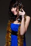 Vetro della holding della donna di vino Fotografia Stock Libera da Diritti
