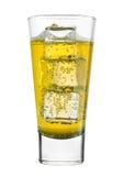 Vetro della limonata di giallo dell'agrume con i cubetti di ghiaccio Fotografia Stock Libera da Diritti