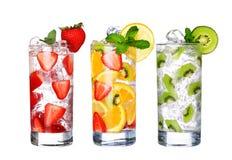 Vetro della raccolta fredda delle bevande di frutta isolata su bianco Immagine Stock Libera da Diritti