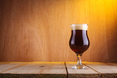 Vetro di birra del tulipano Immagine Stock