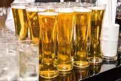 Vetro di birra leggera con acqua Immagini Stock Libere da Diritti