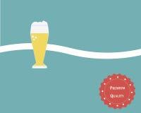 Vetro di birra nel retro tema Fotografie Stock Libere da Diritti