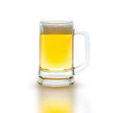 Vetro di birra su bianco Fotografie Stock Libere da Diritti