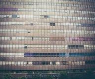 Vetro di finestra su alta costruzione Fotografia Stock Libera da Diritti