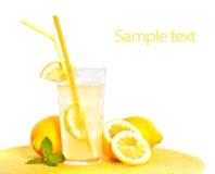 Vetro di limonata isolato su bianco Immagine Stock Libera da Diritti