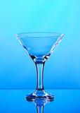 Vetro di martini su fondo blu Fotografia Stock