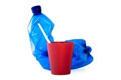Vetro di plastica della plastica e della bottiglia Fotografie Stock
