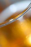 Vetro di rinfresco di birra immagine stock