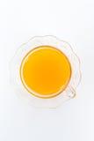 Vetro di succo d'arancia fresco su fondo bianco Fotografia Stock