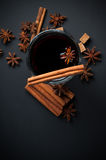 Vetro di vin brulé caldo Fotografia Stock Libera da Diritti