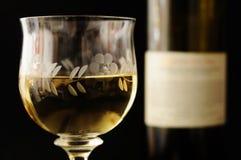 Vetro di vino e della bottiglia Fotografia Stock