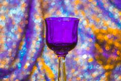 Vetro di vino viola Fotografia Stock