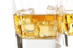 Vetro di whiskey con ghiaccio Fotografie Stock