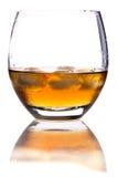 Vetro di whisky con ghiaccio Immagine Stock