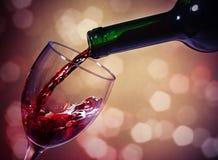 Vetro e bottiglia del vino rosso Fotografia Stock Libera da Diritti