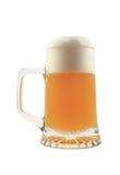 Vetro isolato di birra sul bianco Fotografie Stock