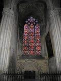 Vetro macchiato in cattedrale immagine stock