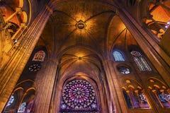 Vetro macchiato interno Notre Dame Cathedral Paris France Fotografia Stock Libera da Diritti
